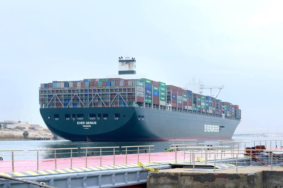 58 سفينة عبرت قناة السويس بحمولات 4.1 مليون طن
