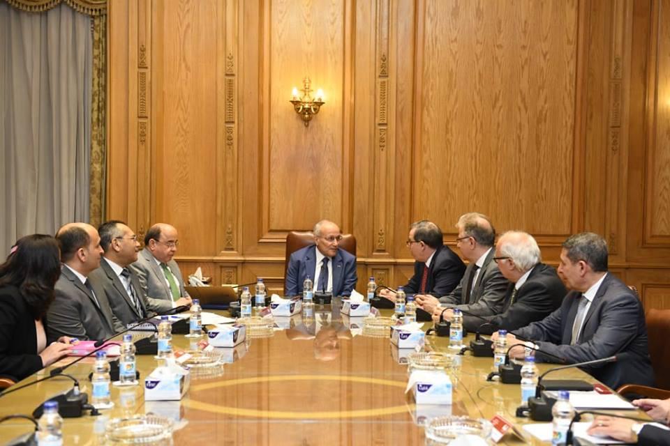 """وزير الدولة للإنتاج الحربي يبحث مع وفد شركة """"بيكتل"""" الأمريكية التعاون المشترك"""