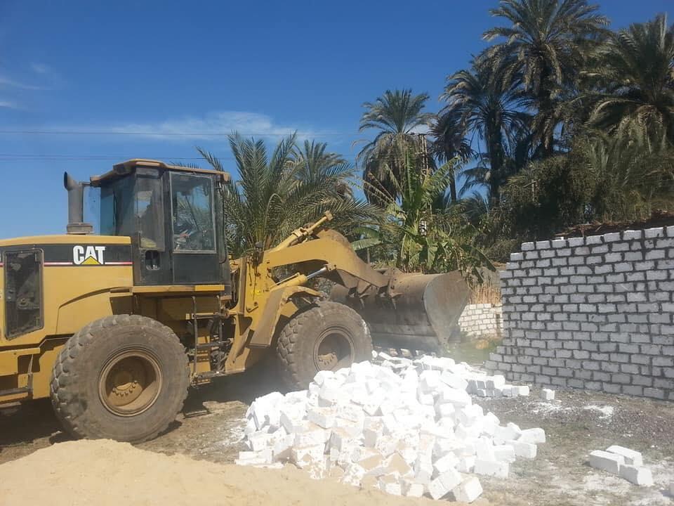 صور | محافظة سوهاج : إزالة فورية لـ 180 حالة تعد على الأراضي في المهد خلال شهرين