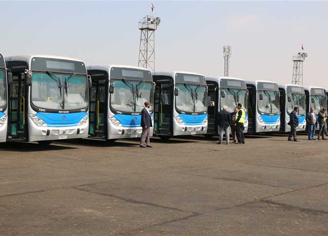 تشغيل أحدث سيارات النقل العام بمناسبة شم النسيم