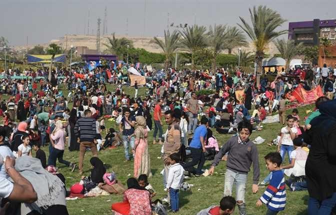 في شم النسيم.. المصريون يحتفلون بقيم الجمال وثقافة الانتصار للحياة