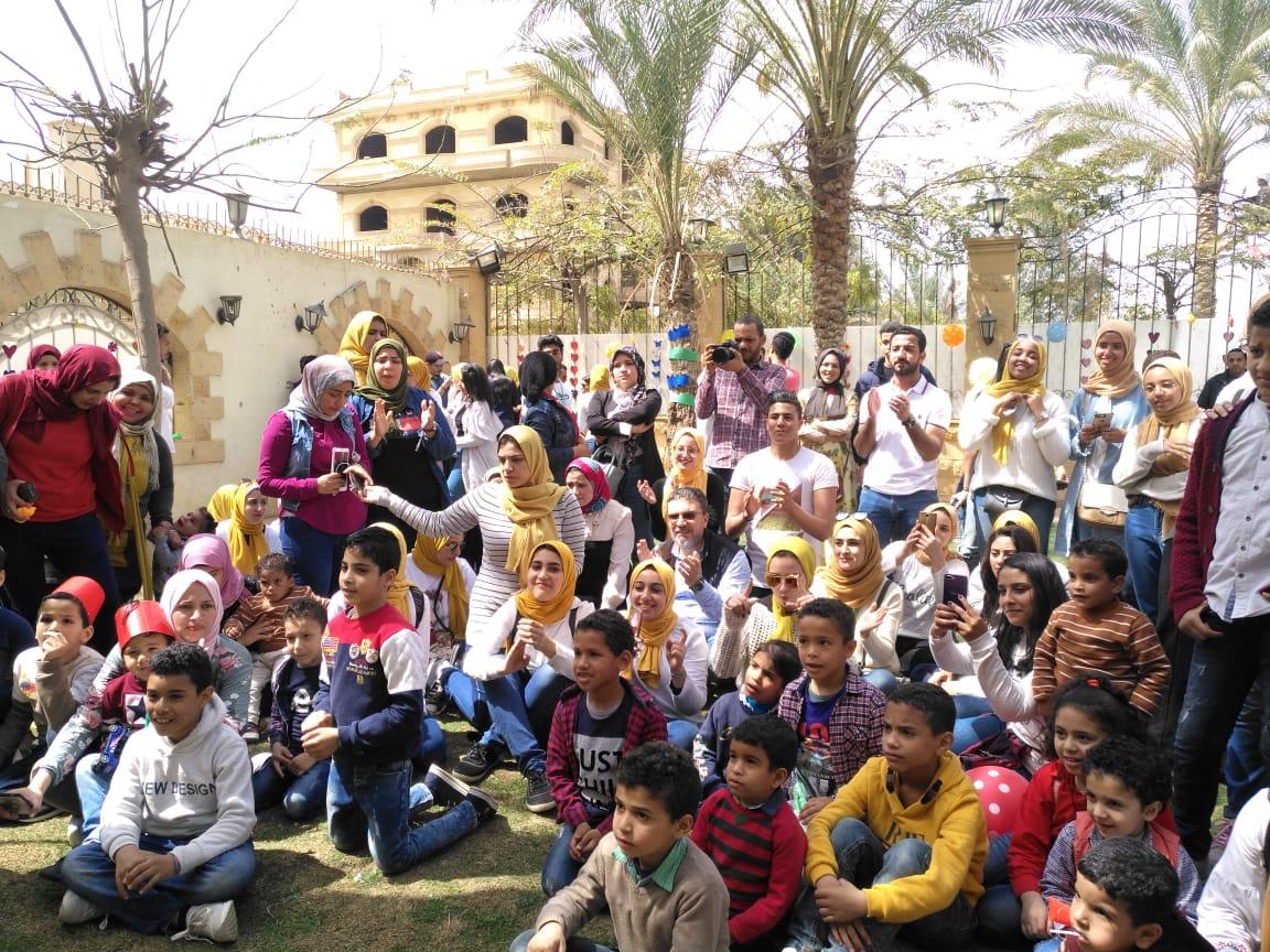 """عمرو الليثي يحتفل غدًا بيوم اليتيم في برنامج """"واحد من الناس"""" على قناة """"النهار"""""""