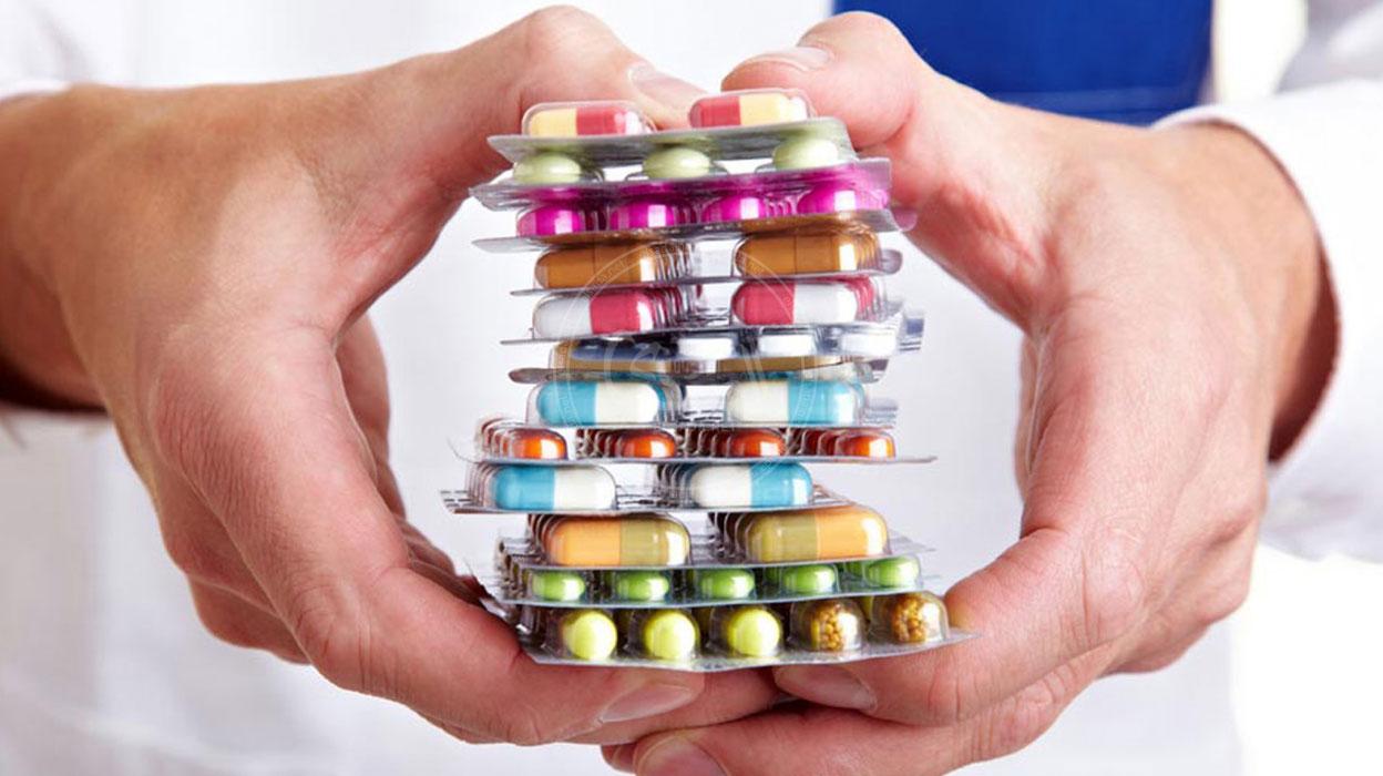 جمارك سفاجا تضبط كمية من الأدوية المخالفة للقانون