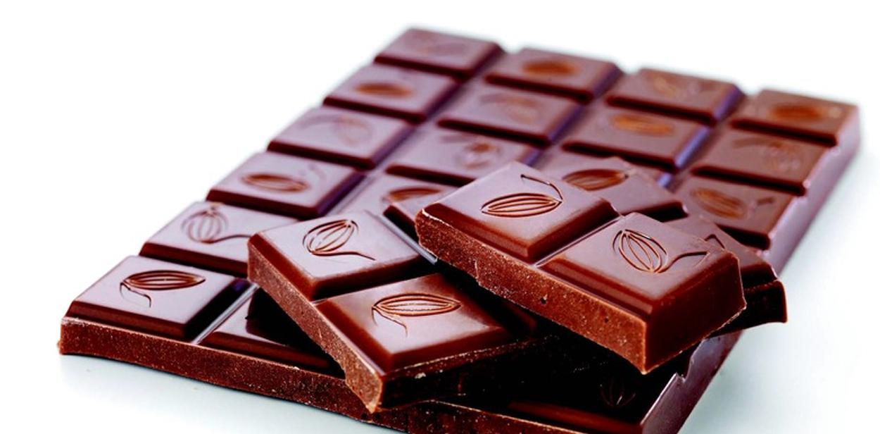الشوكولاته الداكنة علاج سحري لارتفاع ضغط الدم في شهر واحد