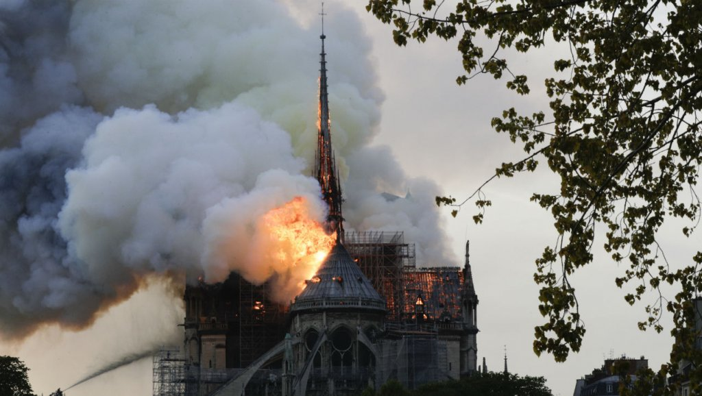 عمدة باريس تقترح عقد مؤتمر للمانحين المساهمين في ترميم كاتدرائية نوتردام