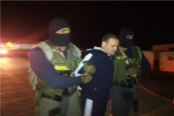 مصر تتسلم الإرهابي هشام عشماوي من الجيش الوطني الليبي