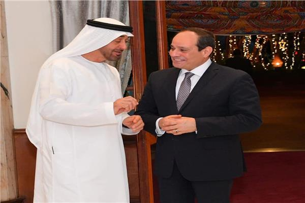 صور| الرئيس السيسي يودع ضيف مصر الشيخ محمد بن زايد في ختام زيارته