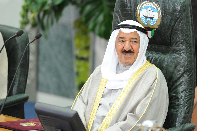تلفزيون الكويت يعلن خبر هام بشأن صحة أمير البلاد
