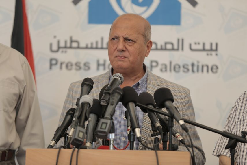 مسئول فلسطيني يناشد المؤسسات الإغاثية في العالم إنقاذ سكان غزة من الفقر