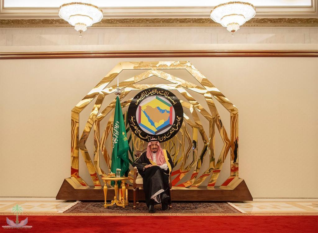 الملك سلمان يستقبل قادة الدول المشاركة بالقمة الإسلامية في مكة المكرمة