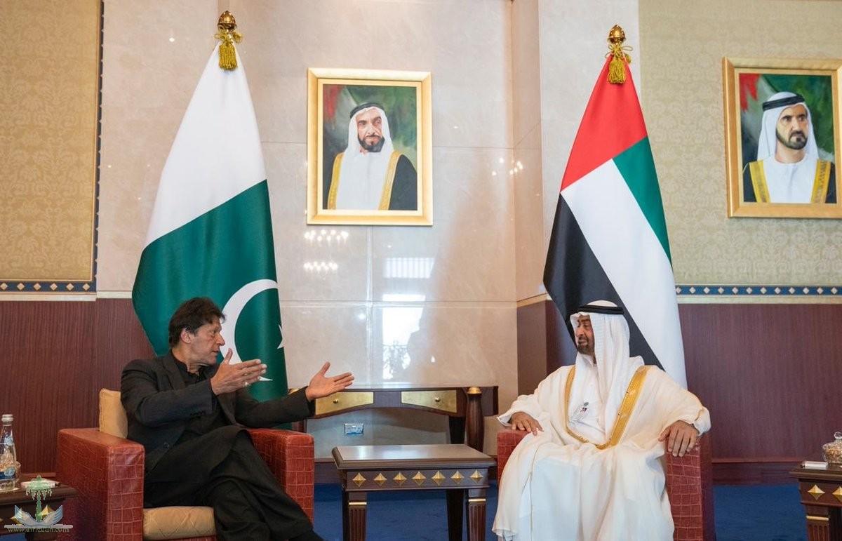 ولي عهد أبوظبي يبحث هاتفيا مع رئيس وزراء باكستان العلاقات الثنائية