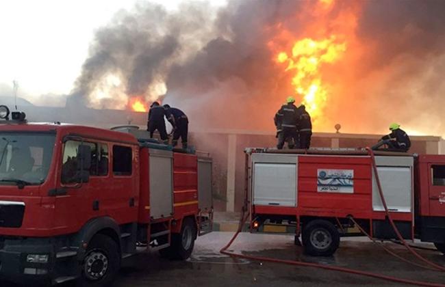 الحماية المدنية تتمكن من السيطرة على حريق نشب بمصنع في الشرقية