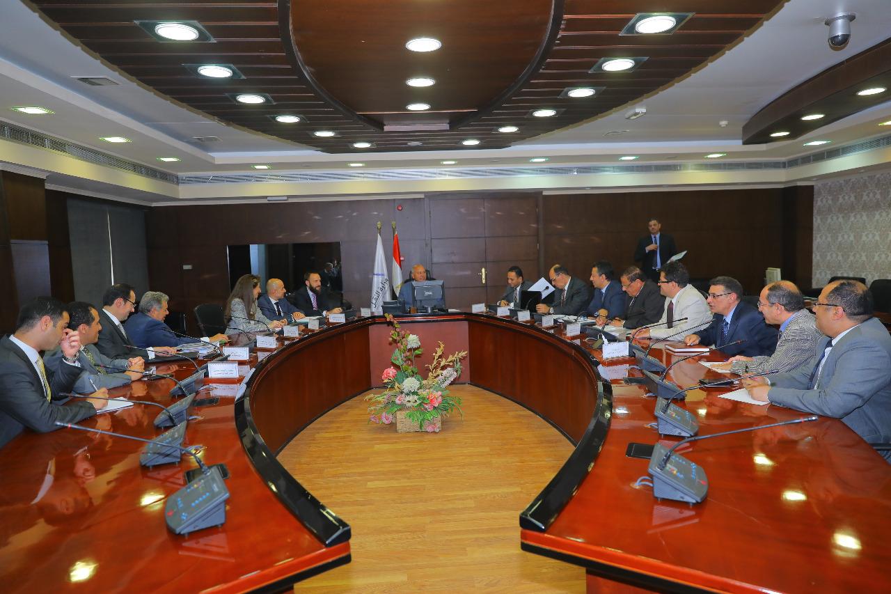 صور | وزير النقل يبحث مع فريكوينتز معدلات تنفيذ مشروع البنية المعلوماتية لنهر النيل