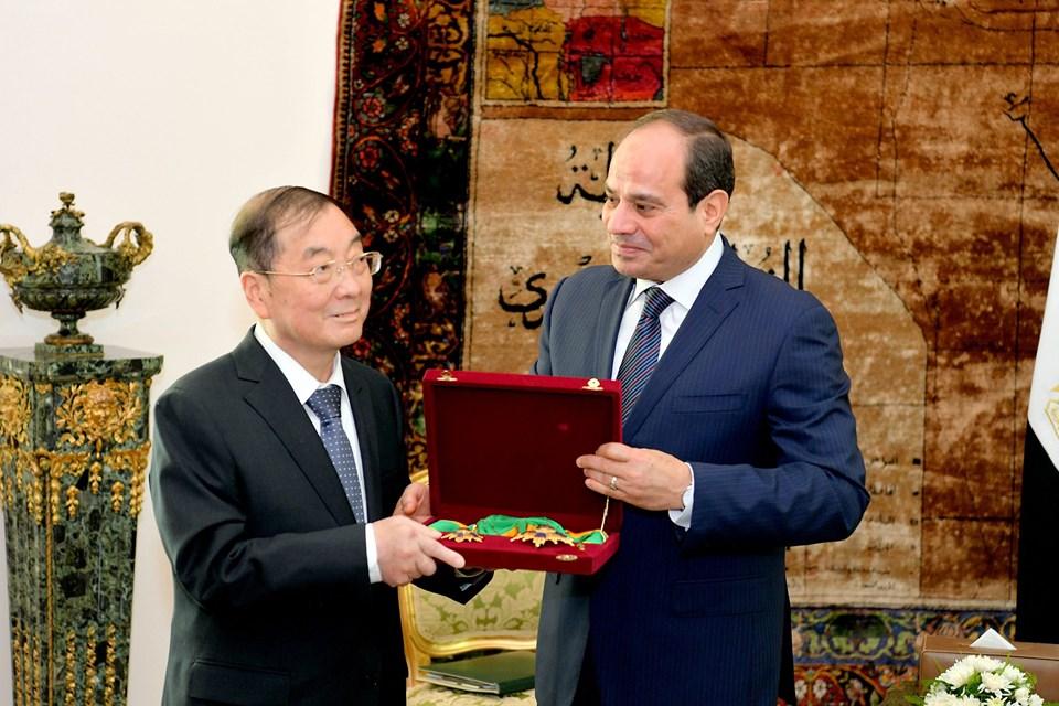 نشاط الرئيس السيسي بأسبوع : يشهد إطلاق تميمة أمم إفريقيا ويكرم السفير الصينى