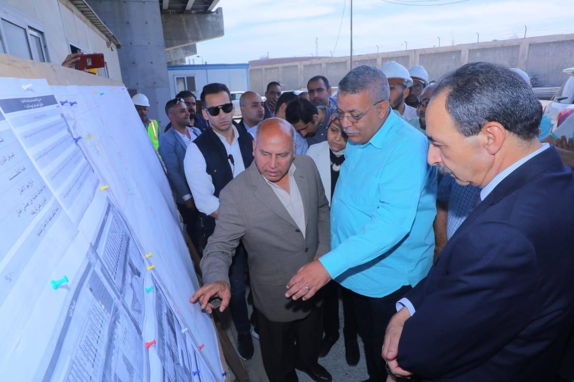 صور | وزير النقل يتابع أعمال تنفيذ محاور الربط التنموية الجديدة بمحافظة الاسكندرية