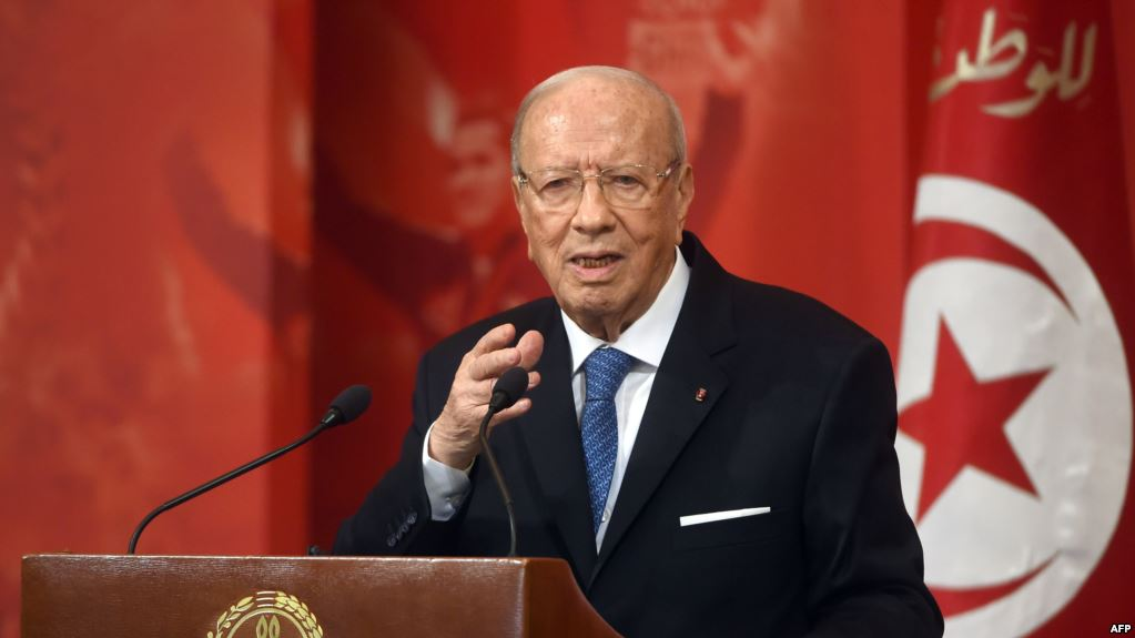 الرئيس التونسي يقرر تمديد حالة الطوارئ بالبلاد لمدة شهر