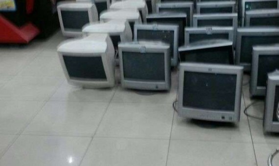 جمارك بورسعيد تحبط محاولة تهريب شاشات كمبيوتر مستعملة محظورة
