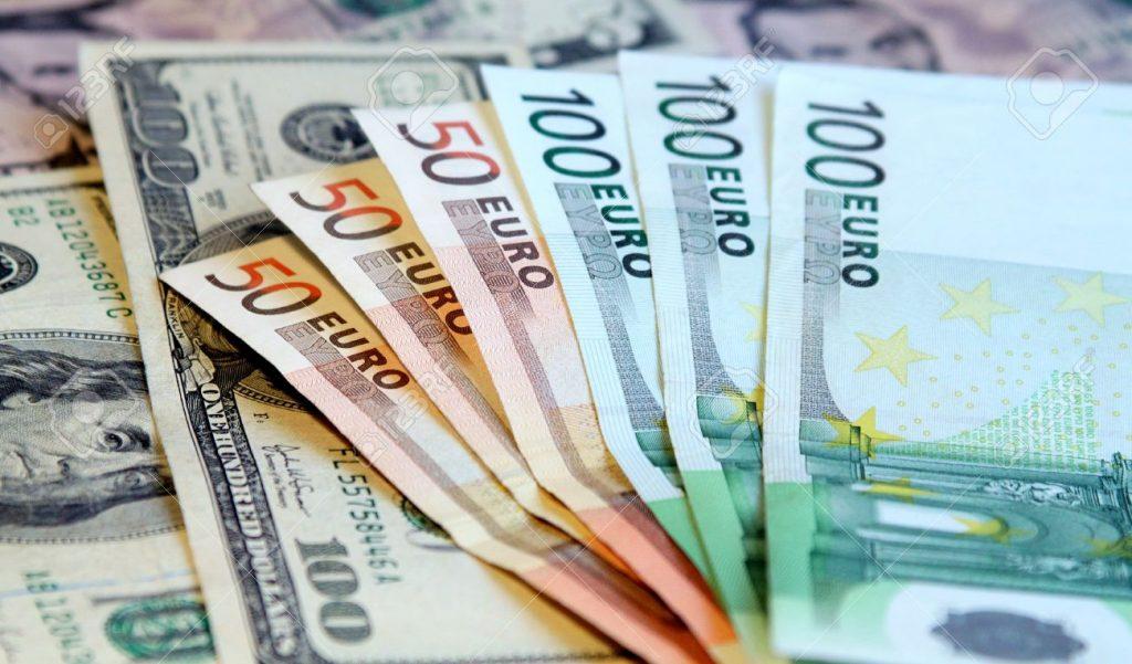 اليورو يرتفع بفضل ترقب اجتماع المركزي الأوروبي والأنظار على تعليقات التضخم
