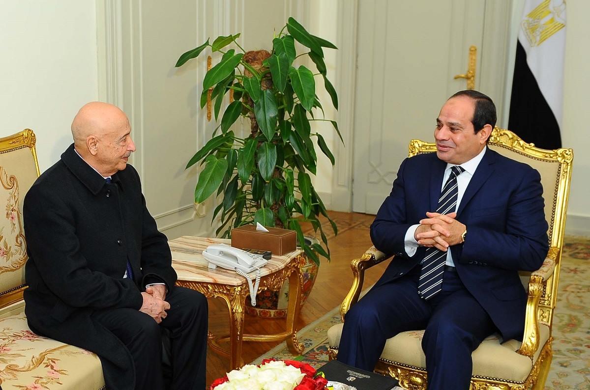 الرئيس السيسي يؤكد موقف مصر الثابت بدعم الجيش الليبي للقضاء الإرهاب
