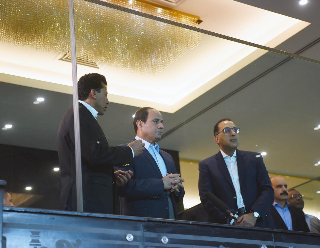 صور| الرئيس السيسي يتفقد إستاد القاهرة لمتابعة الترتيبات النهائية لانطلاق بطولة كأس الأمم الأفريقية