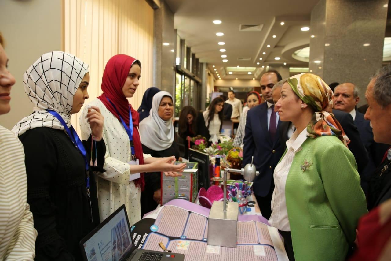 صور | ياسمين فؤاد تزور فرع الأسكندرية وتشارك في احتفالية الأكاديمية البحرية بيوم البيئة