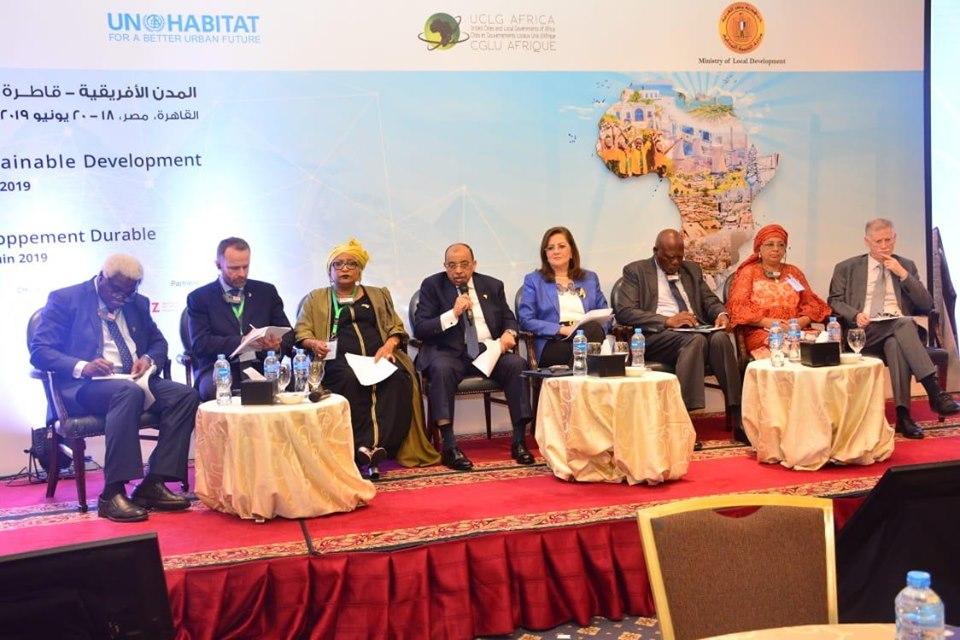 صور | وزير التنمية المحلية : الرئيس السيسي يولي اهتماماً كبيراً بتدريب الكوادر البشرية