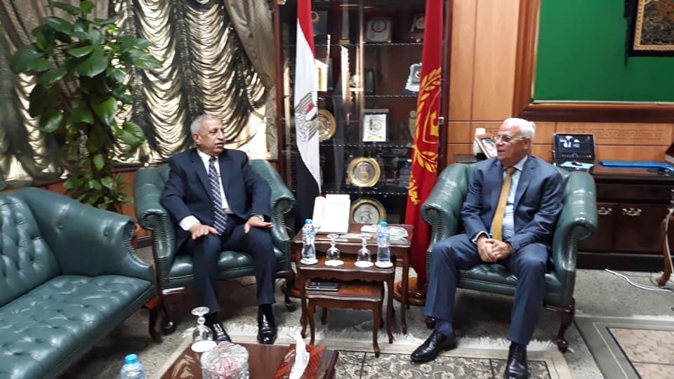 محافظ بورسعيد يستقبل رئيس الاكاديمية العربية للعلوم والتكنولوجيا ويشيد بدور الأكاديمية