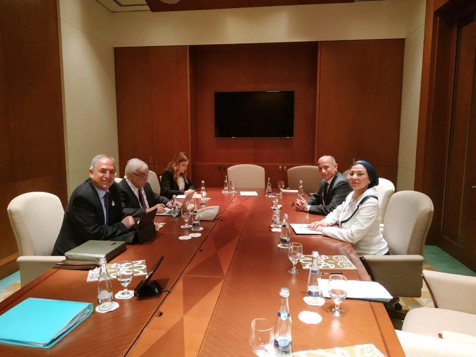 ياسمين فؤاد تجتمع مع وزيري البيئة لشيلي وقبرص على هامش اجتماعات أبوظبي للمناخ