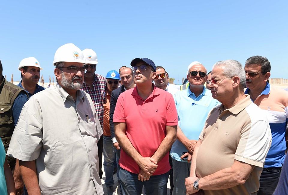صور   رئيس الوزراء يتفقد عددا من مشروعات مدينة العلمين الجديدة