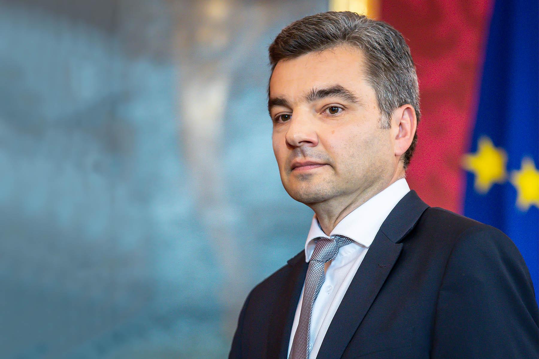 وزير الداخلية النمساوي يقرر رفع اسم سريلانكا من قائمة «دول اللاجئين الآمنة»