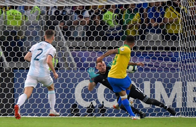 البرازيل تفوز على الأرجنتين بهدفين وتتأهل لنهائي كوبا أمريكا