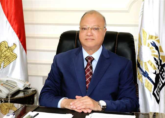 محافظ القاهرة يناشد أولياء الأمور بعدم التزاحم أمام لجان الثانوية العامة