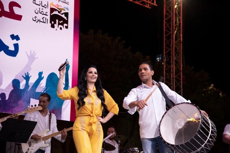 صور  سوبر ستار العرب ديانا كرزون تحشد اكبر حضور جماهيري بتاريخ صيف عمان