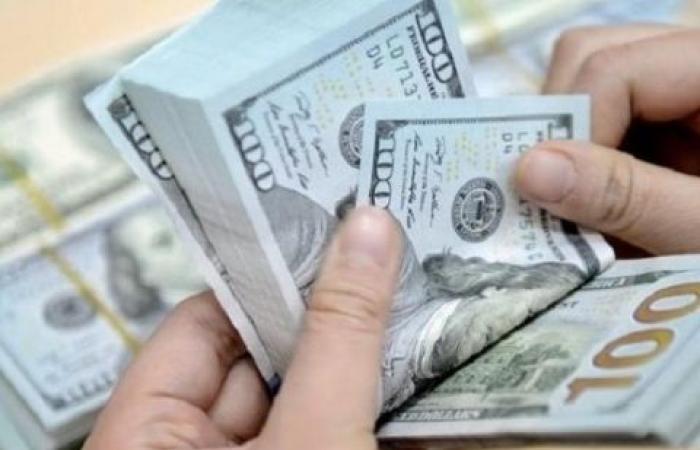 استقرار أسعار صرف الدولار ويسجل 15.85 جنيها