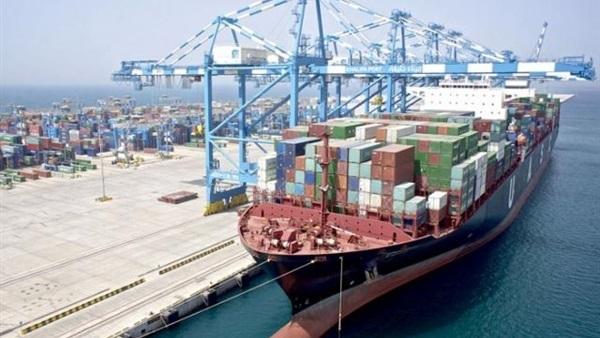 28 سفينة إجمالى حركة تداول السفن بموانئ بورسعيد