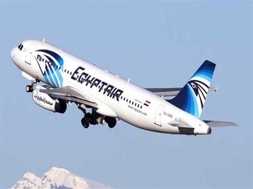 مصر للطيران تسير 14 رحلة اليوم وغدا لنقل 3200 حاجا إلى المدينة المنورة