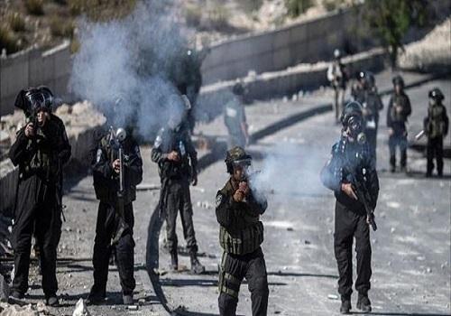 إصابة 22 فلسطينيا برصاص الاحتلال الإسرائيلي بالضفة الغربية