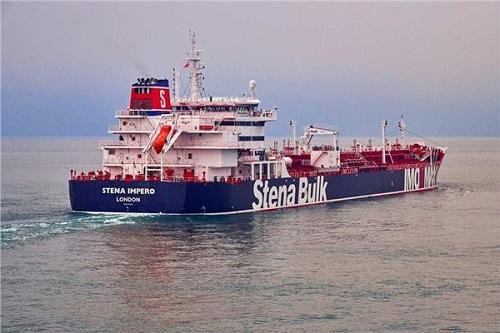 الشحن البحري: قرار بريطانيا بحماية السفن يؤمن الشُحنات المهمة