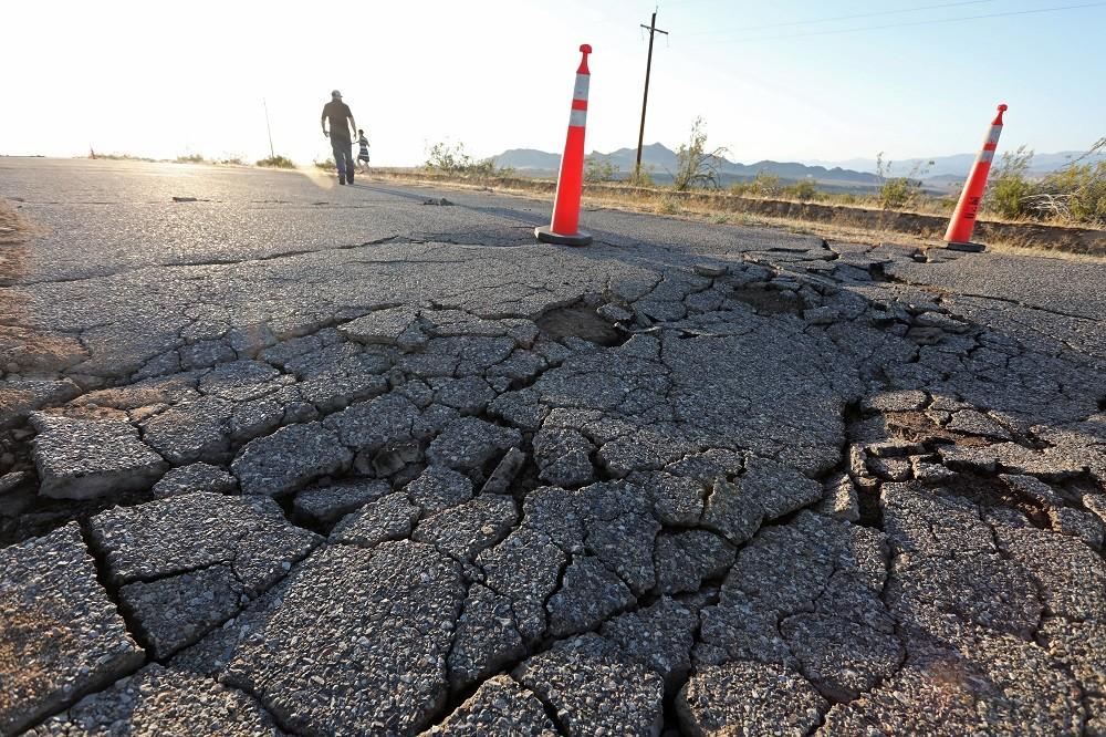 السلطات الأمريكية : لا خطر من تسونامي جراء زلزال جنوب كاليفورنيا
