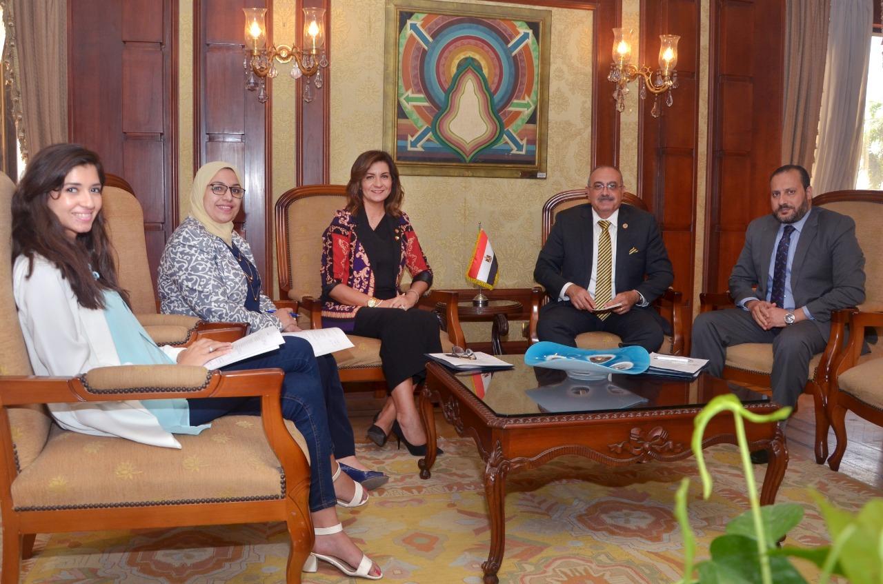 وزيرة الهجرة تستقبل صاحب فكرة تخصيص شهر للاحتفال بالتراث المصري بكندا