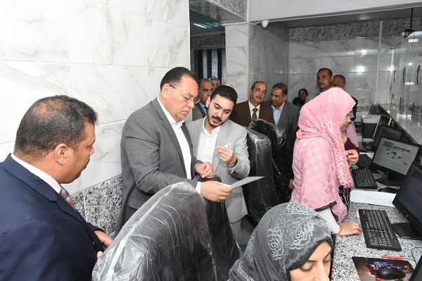 صور| محافظ الشرقية بدء التشغيل التجريبي للمركز التكنولوجي لخدمة المواطنين بمدينة ههيا