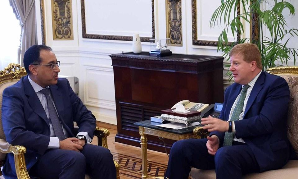صور | رئيس الوزراء يستقبل نائب الرئيس التنفيذي لغرفة التجارة الأمريكية