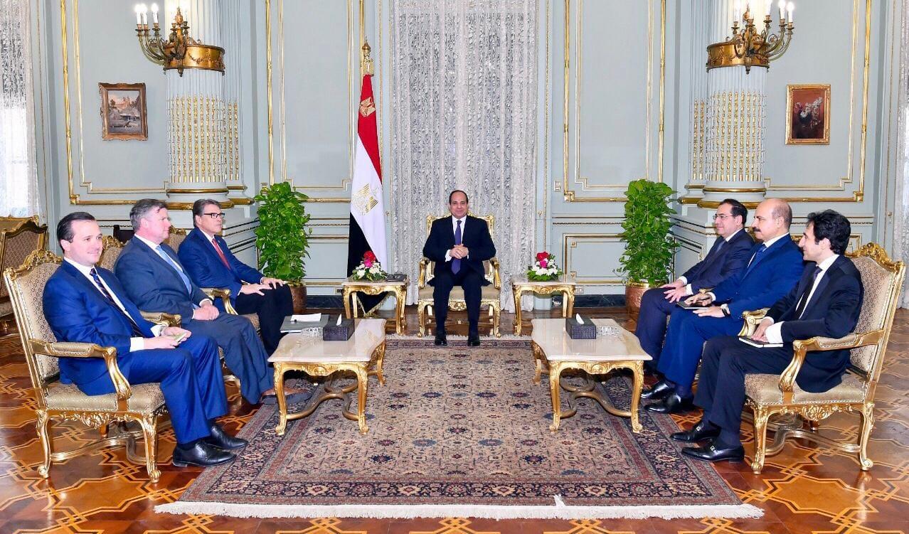 الرئيس السيسي يلتقي وزير الطاقة الأمريكي على هامش منتدى غاز شرق المتوسط