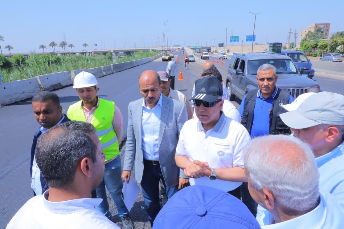 صور| وزير النقل يتفقد أعمال تطوير طريق بنها – المنصورة