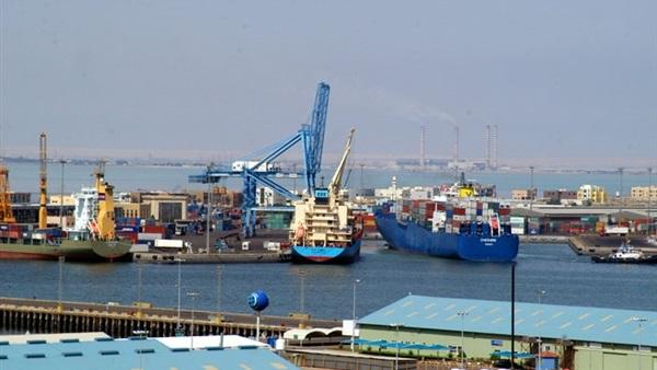 تداول 299 شاحنة بضائع عامة بموانئ البحر الأحمر