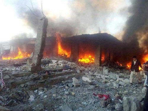مقتل شقيق زعيم حركة طالبان في انفجار مسجد غرب باكستان