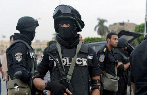 ضبط تشكيل عصابي تخصص في سرقة المواطنين بالشيخ زايد