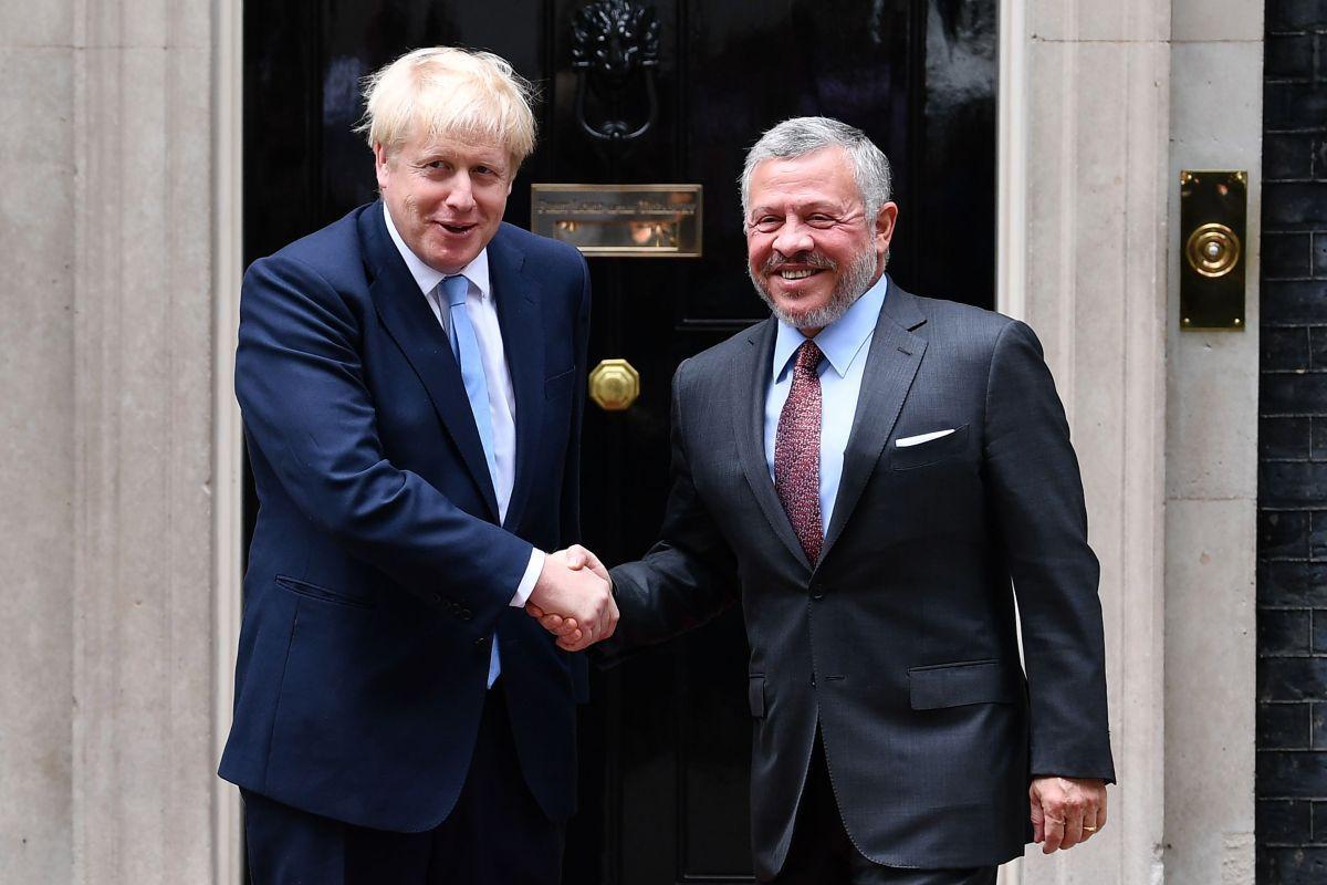 العاهل الأردني ورئيس الوزراء البريطاني يبحثان العلاقات الثنائية
