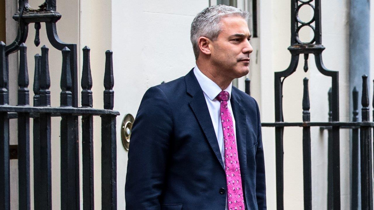 وزير بريطاني يدعو بروكسل لإعادة التفاوض على الانسحاب