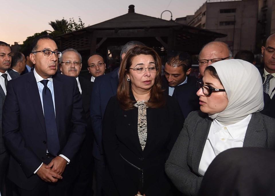 صور | رئيس الوزراء يتفقد مبنى معهد الأورام ويزور مصابي الحادث الإرهابي